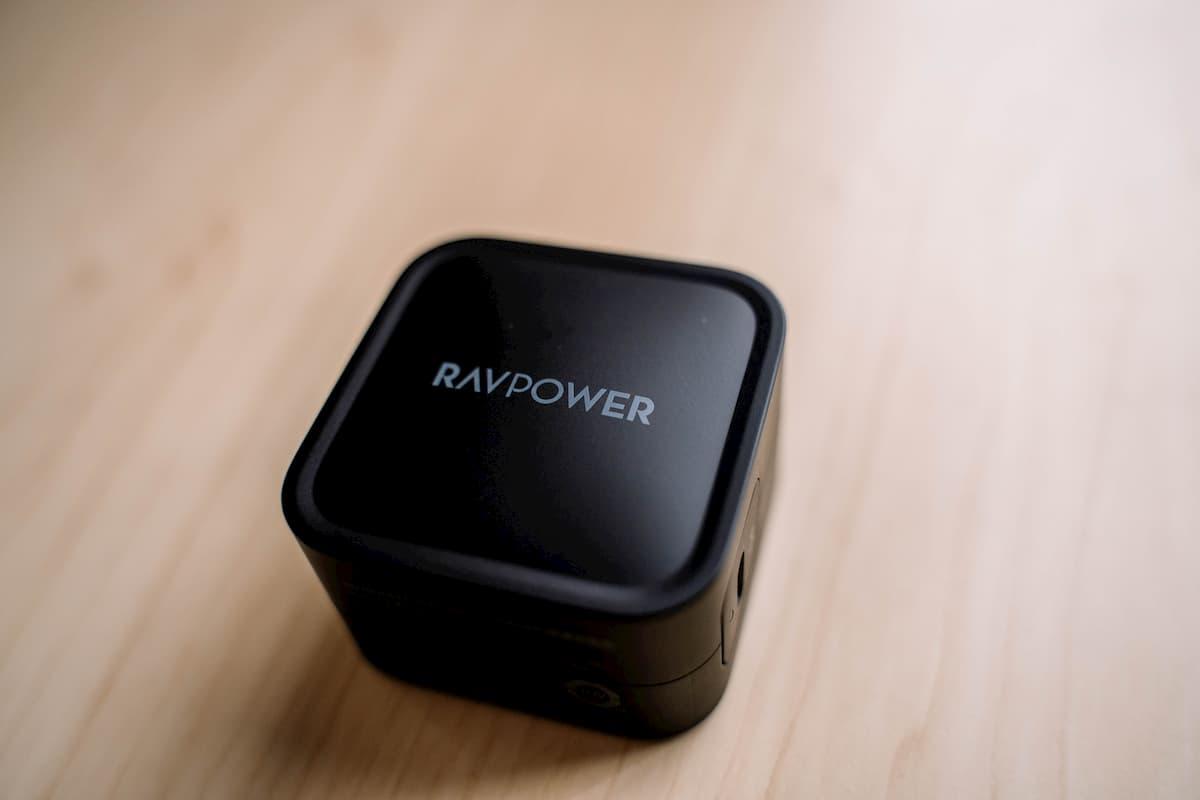 【小さいのに高性能】新世代の窒化ガリウム採用充電器RAVPOWER RP-PC112レビュー